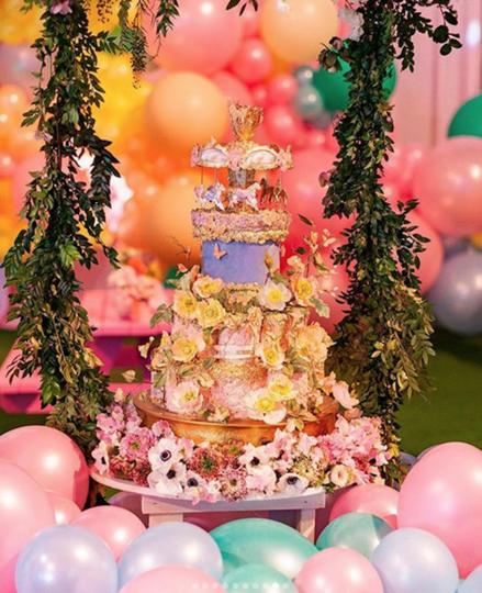 Фотографии с вечеринки в честь дня рождения дочери Кайли Дженнер Сторми. Фото Скриншот https://www.instagram.com/kyliejenner/