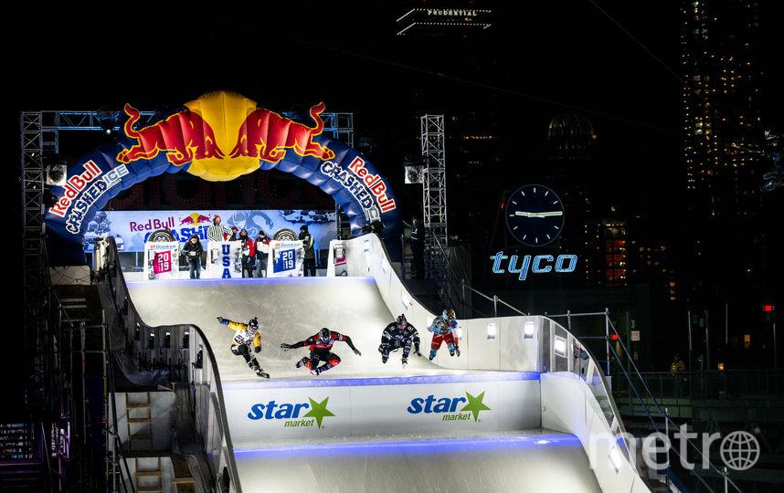 В финале Кэмерон (второй слева) обогнал австрийца Луку Даллаго, действующего чемпиона из Канады Скотта Кроксалла и француза Тристана Дюжердиля. Фото redbullcontentpool.com