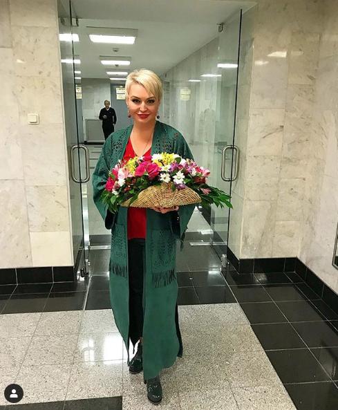 Катя Лель. Фото скриншот https://www.instagram.com/katyalelofficial/?hl=ru