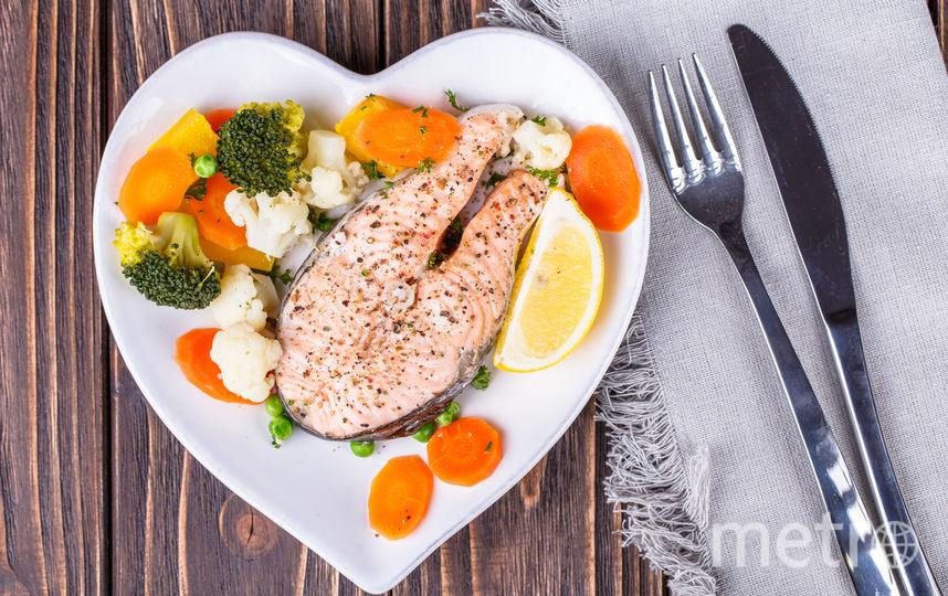 Рыбный стейк в сливочном соусе. Фото Depositphotos