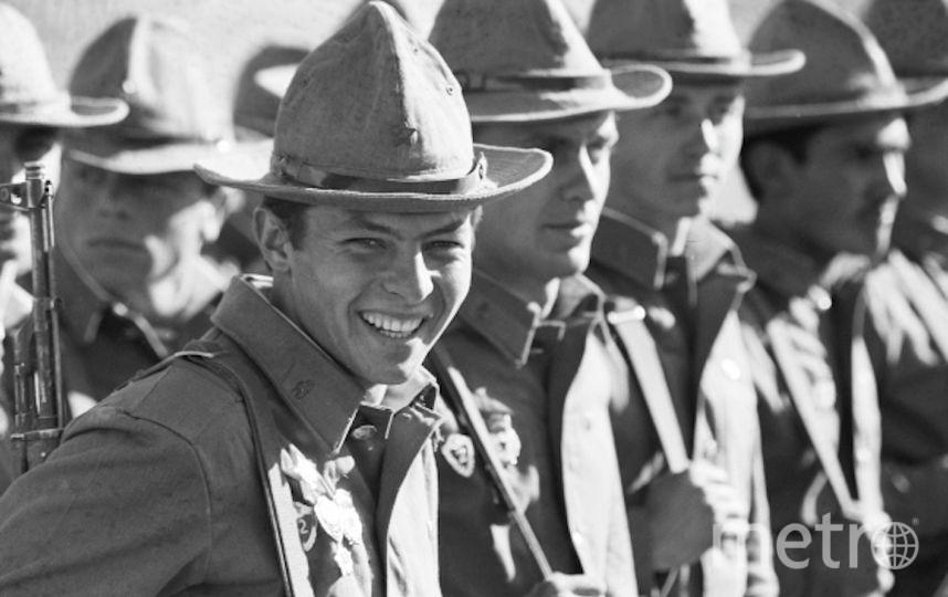 Солдаты ограниченного контингента Вооруженных сил СССР, вернувшиеся из Афганистана. Афганская война 1979-1988 годов. Фото РИА Новости