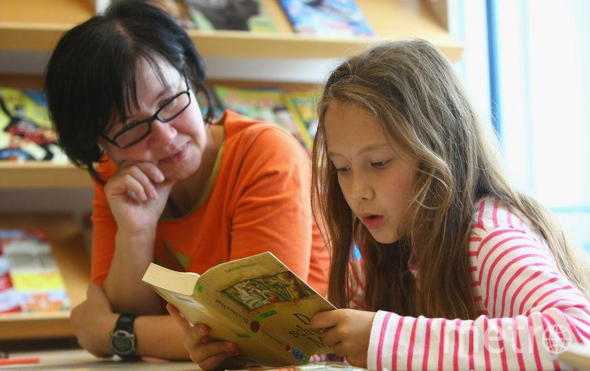 Средняя зарплата школьного учителя в России за 2018 год составила 38 419 рублей. Фото Getty