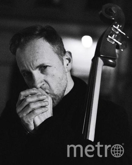 """Билли Новик исполняет песни Егора Летова. Фото Instagram Билли Новика, """"Metro"""""""