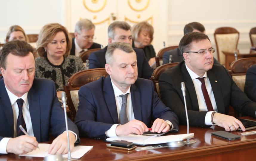 """Рабочее заседание. Фото gov.spb.ru, """"Metro"""""""