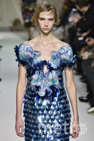 Неделя моды в Лондоне. Коллекция Mary Katrantzou. Фото Getty