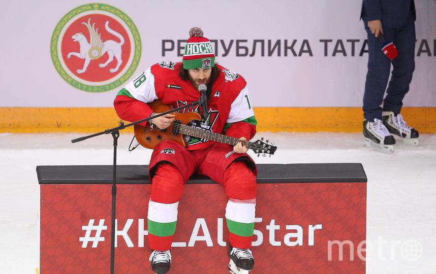 Болельщики были в восторге от песни Майоне под гитару на Матче всех звёзд КХЛ в Казани. Фото Getty