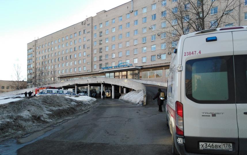 Эвакуация в больнице № 26. Фото https://vk.com/spb_today