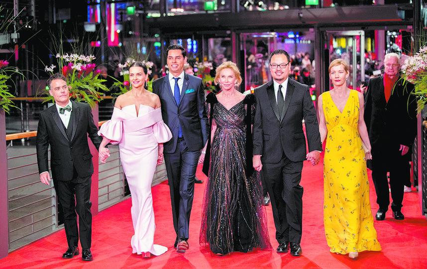 Жюри 69-го Берлинского международного кинофестиваля под предводительством прекрасной Жюльет Бинош (вторая слева). Фото Getty