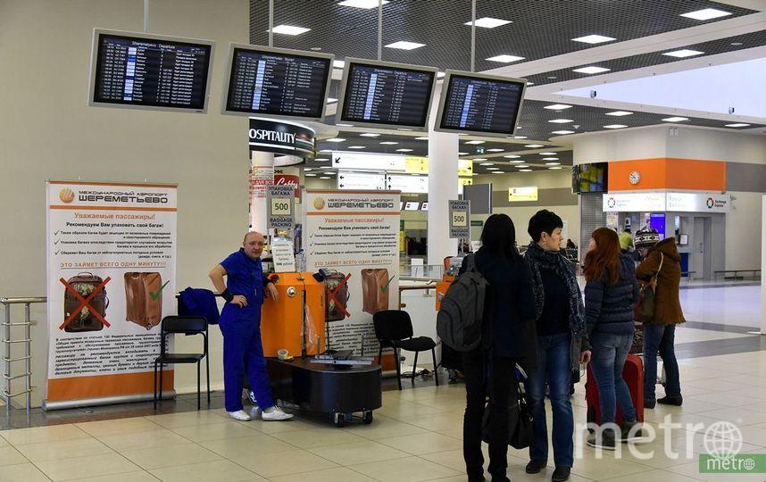 В салон самолёта разрешается взять ручную кладь весом не более 10 кг и габаритами 36х30х4см. Фото Василий Кузьмичёнок