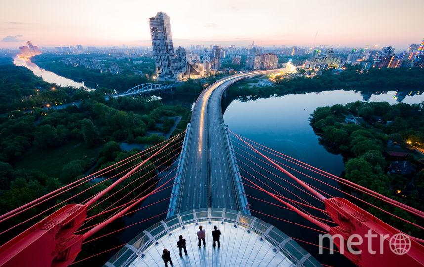 """Живописный мост в Москве, 2012. Фото Виталий Раскалов, """"Metro"""""""