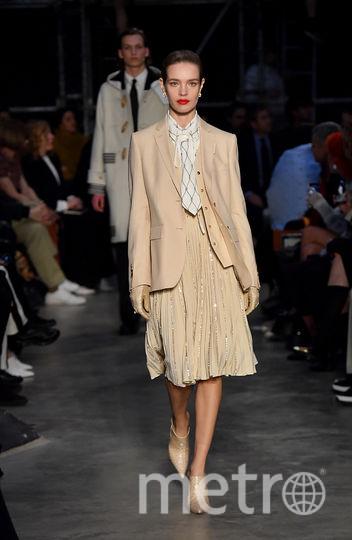 Шоу Burberry на Неделе моды в Лондоне. Наталья Водянова. Фото Getty