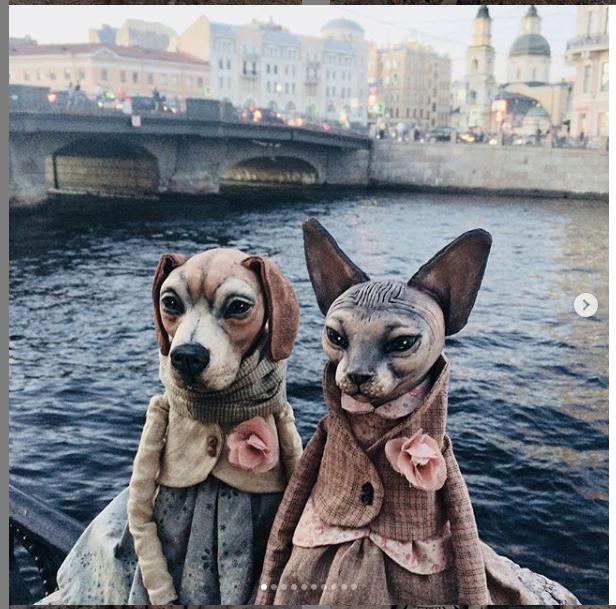 """Елена Алёхина создаёт кукольных животных и фотографирует их на фоне Петербурга. Фото https://www.instagram.com/ahihela/, """"Metro"""""""