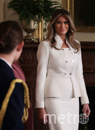 Мелания Трамп в платье, сшитом для нее Карлом Лагерфельдом. Фото Getty