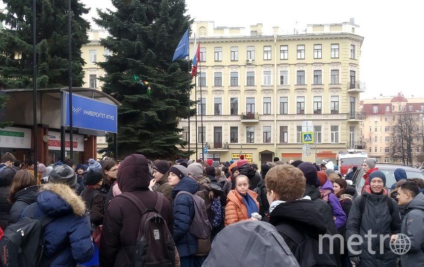 Главный корпус ИТМО снова эвакуируют, второй раз за 2 недели. Фото ДТП и ЧП   Санкт-Петербург   vk.com/spb_today., vk.com