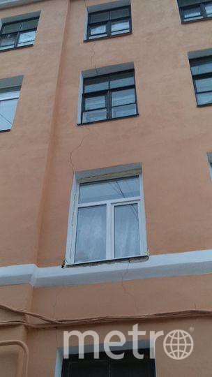 Активисты: В центре Петербурга треснул ещё один дом. Фото mytndvor, vk.com