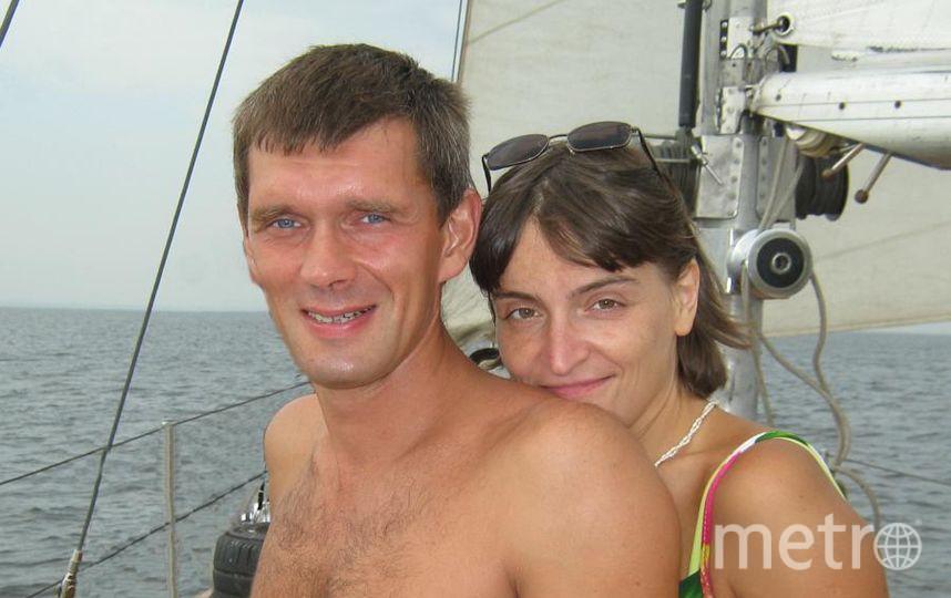 """Мой муж Александр - крутой программист. Он морж, садовод, а ещё массажист! И скульптор, и лыжник, и классный пловец, Для деток (пяти!) он чудесный отец.. Фото Светлана, """"Metro"""""""