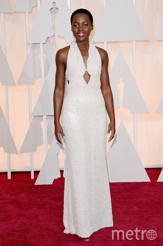 Люпита Нионго в 2015 году в платье от Calvin Klein за 150 000 долларов. Фото Getty