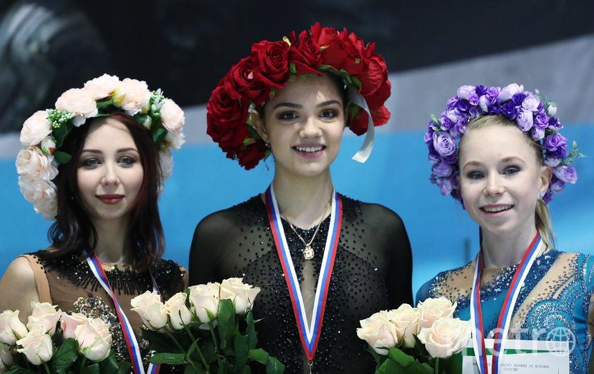 Евгения Медведева, Елизавета Туктамышева и Виктория Васильева. Фото Getty