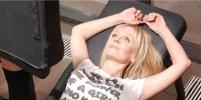 Певица Валерия показала эротичные позы во время тренировки в шортиках: фото
