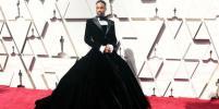 Гуру уборки, актёр в платье и едкие наряды: Звёзды прибывают на