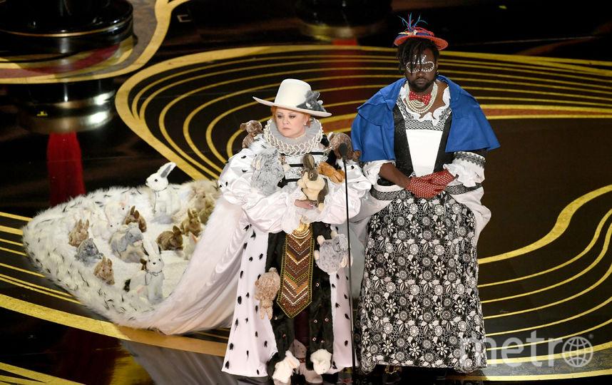 """Игрушечные кролики с интернет-магазина: Статуэтку """"Оскар"""" вручили в плюшевой мантии. Фото Getty"""