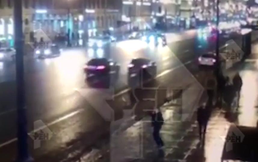 В отношении водителя, который сбил пешеходов на Невском проспекте, изюрали меру пресечения. Фото https://vk.com/spb_today