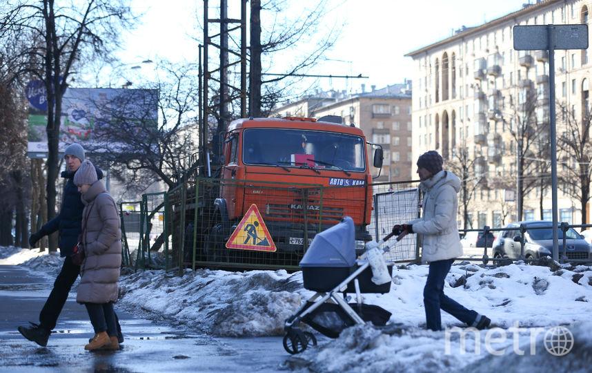 Одна из буровых установок на Ленинском проспекте. Фото Василий Кузьмичёнок