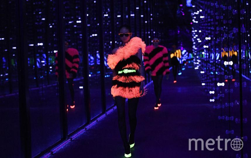 Показ Saint Laurent в рамках Недели моды в Париже. Фото AFP