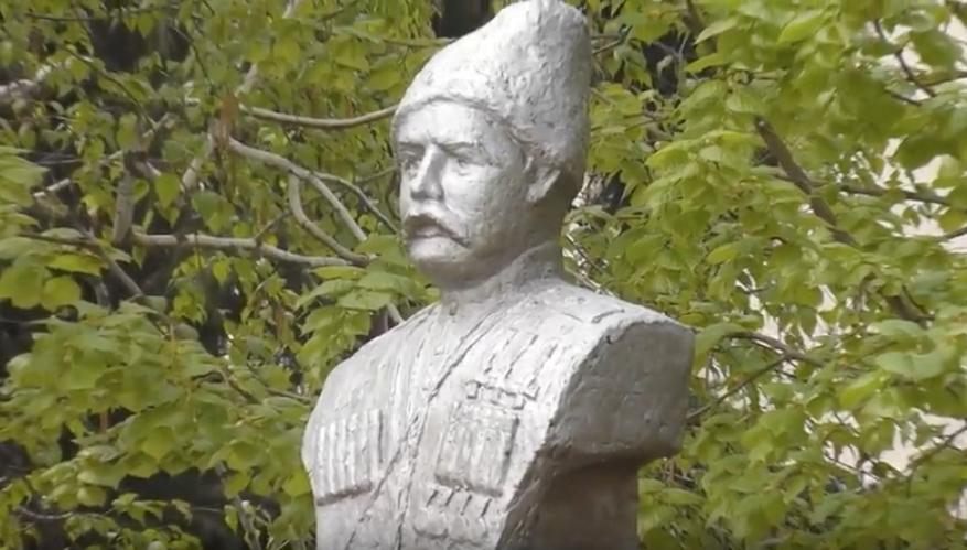 В родной станице Ивану Сорокину поставили памятник. Фото Скриншот youtube.com/watch?v=FpOy54Y-KXc