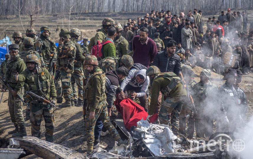 пакистанская армия сбила два индийских военных самолета, нарушивших воздушное пространство страны в спорном регионе Кашмир. После этого в Индии сообщили, что сбили пакистанский истребитель в небе над Кашмиром. Фото Getty