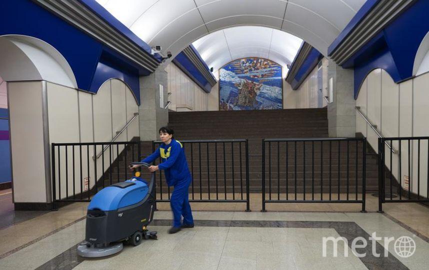 """На станции «Комендантский проспект». Фото Святослав Акимов, """"Metro"""""""
