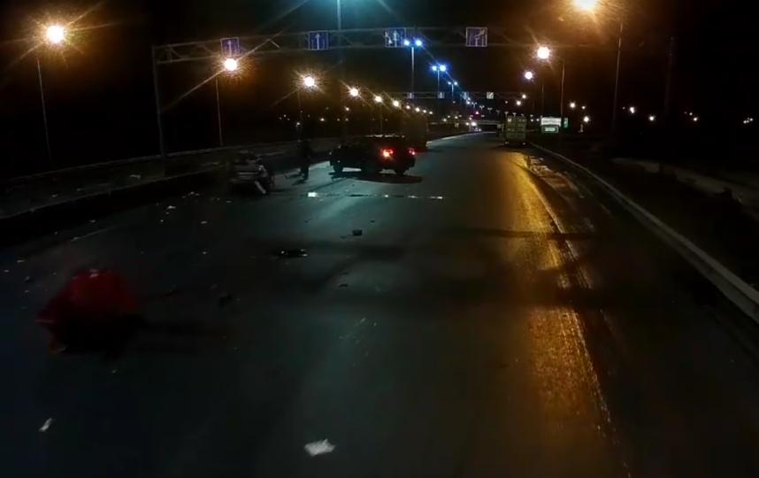 Два человека погибли в ночной аварии на КАД. Фото https://vk.com/spb_today