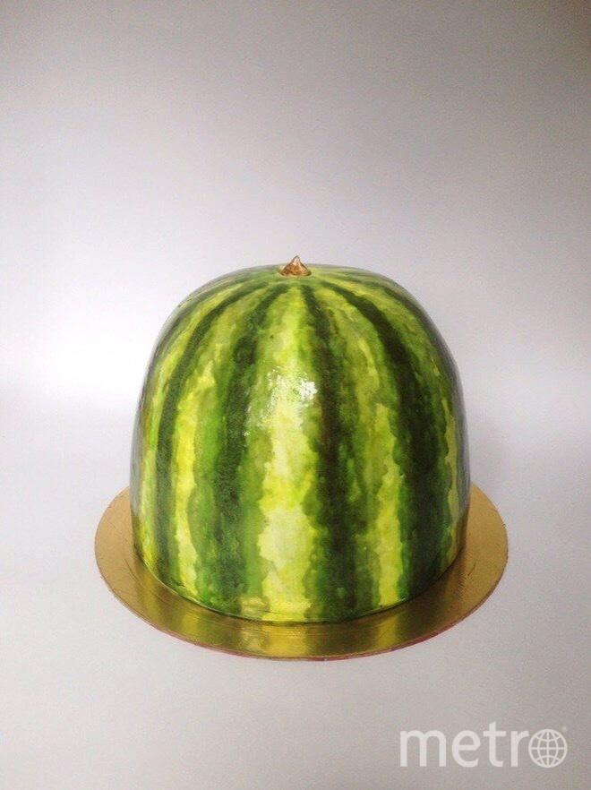 Тортик в виде арбуза напоминает лето. Фото Предоставлено героем материала