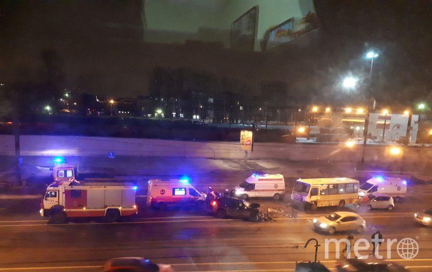 "Фото с места ДТП на Лесном в Петербурге. Фото https://t.me/Megapolisonline, ""Metro"""