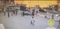 В Кронштадте иномарка сбила 10-летнего мальчика на самокате: видео