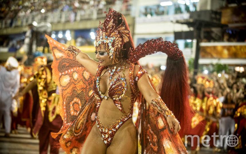 svezhee-super-goryachie-brazilskie-krasotki-tantsuyut-sambo