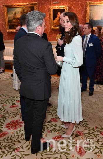 Кейт Миддлтон общается с гостями. Фото Getty