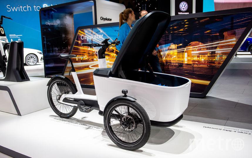 Автосалон в Женеве. Volkswagen Cargo e-Bike. Фото Getty