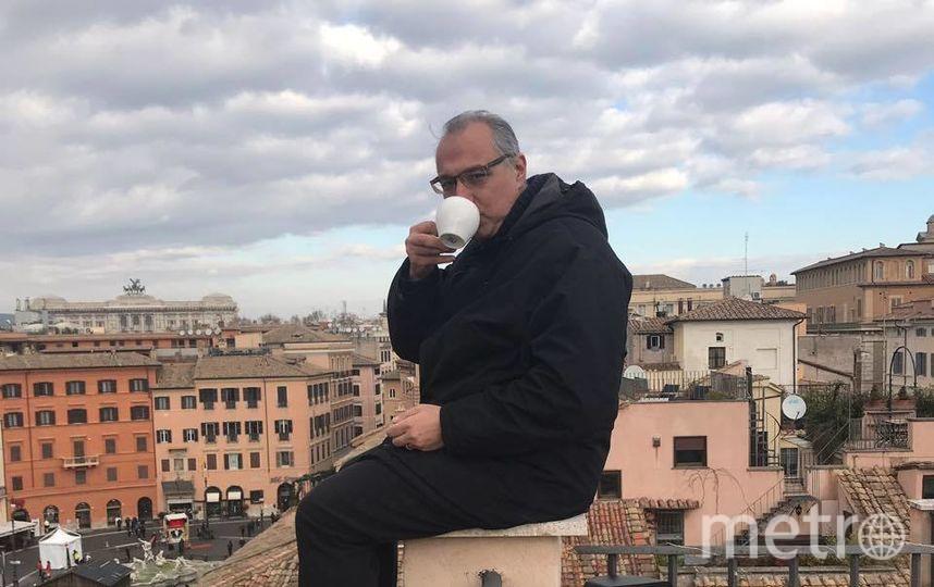 """Антонис Мавропулос считает, что слишком молод, чтобы умирать. Фото https://www.facebook.com/photo.php?fbid=10217832444498365&set=a.1561836281401&type=3&theater, """"Metro"""""""