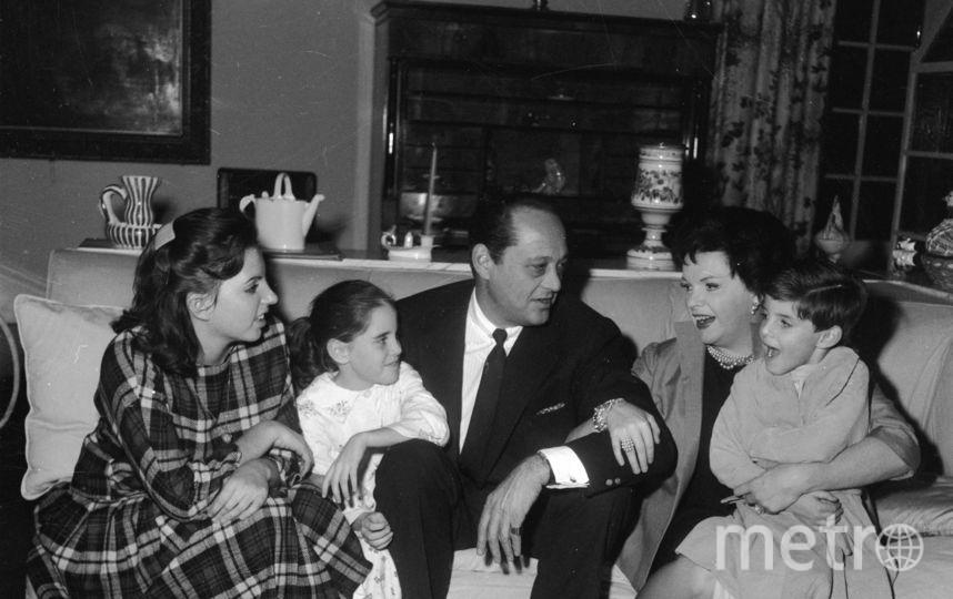 Лайза Миннелли (слева), ее мать, и брат с сестрой. Фото архив, Getty