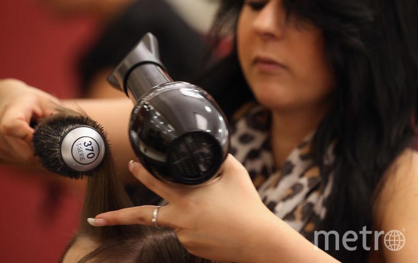 По словам матери девочки, парикмахер подняла её дочь за уши. Фото Getty