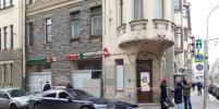 Момент обрушения пола в супермаркете на Петроградке попал на видео