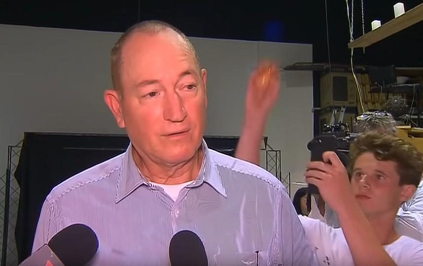 Драка австралийского сенатора и 17-летнего подростка попала на видео. Фото Скриншот https://www.youtube.com/watch?v=urfE1mYYUmQ, Скриншот Youtube