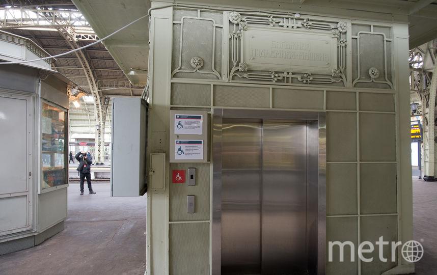 "Дореволюционный лифт на Витебском вокзале. Фото Святослав Акимов, ""Metro"""