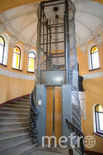 "Лифт дома Елисеевых на Фонтанке. Фото Святослав Акимов, ""Metro"""