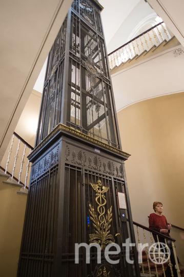 """Лифт в Доме журналиста. Фото Святослав Акимов, """"Metro"""""""