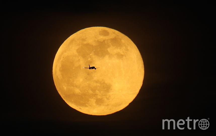 В ночь на 21 марта можно будет увидеть как полную Луну, так и Суперлуние. Фото Getty
