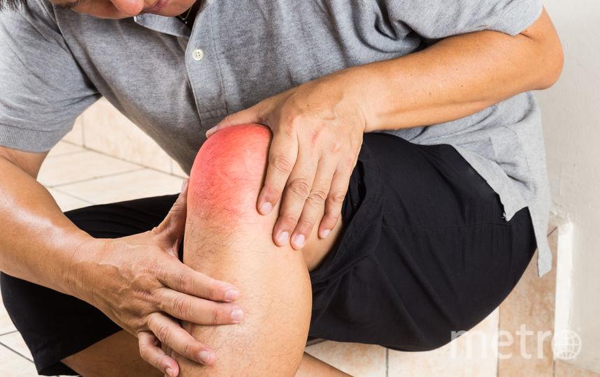 Подагра часто поражает коленные суставы. Фото Depositphoto