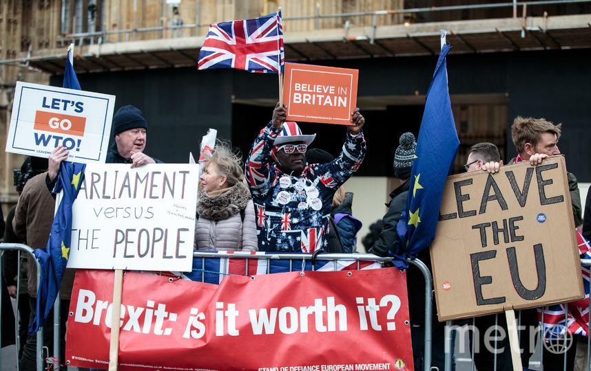 После долгих споров о том, на каких условиях Великобритания должна покинуть Евросоюз, британские парламентарии проголосовали за трёхмесячную отсрочку Брексита. Фото Getty