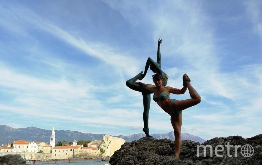 """Фото сделано в Черногории в сентябре 2018. Символ г. Будда - балерина, как и Петербурга. Балерина вдохновила меня на подвиг. Стоять на камне было страшно и трудно, сделали дублей 10, ведь я не балерина. Фото """"Metro"""""""